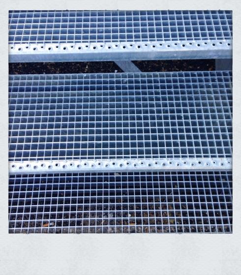 vue escaliers métalliques